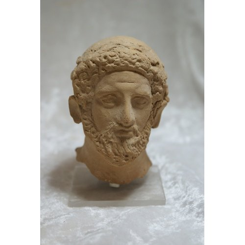 Male head, terracotta, unknown provenance, Nicosia, Cyprus Museum Terracotta D 236, by permission of the Department of Antiquities of Cyprus (photo G. Koiner).