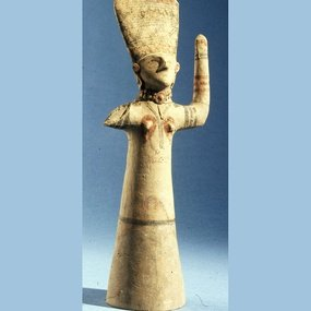 The Lady of the Sanctuary with uplifted arms. Ht.: 36.5 cm. 8th-7th century BC. British Museum.