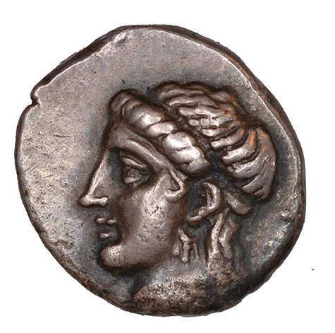 Εμπροσθότυπος 'SilCoinCy A1099, acc.no.: KP 12.37. Silver coin of king Pnytagoras of Salamis 351 - 332 BC. Weight: 2.17 g, Axis: 12h, Diameter: 14mm. Obverse type: Aphrodite head l. with diadem and long hair. Obverse symbol: -. Obverse legend: Π (Ν) in -. Reverse type: Artemis head r. . Reverse symbol: -. Reverse legend: BA in Greek. '-', 'Du classement des séries chypriotes'.